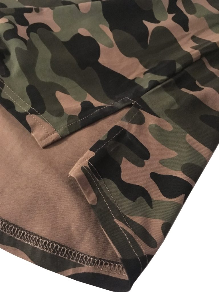 tshirt entaille arrond camouflage musculation